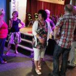 Inrichten zaal dirgelenfeest 2016 (24) w